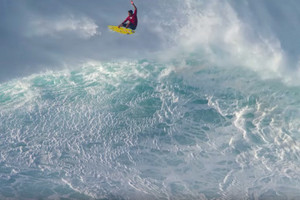 Kai Lenny: Tow Surfing at Jaws