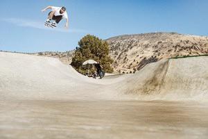 Nike SB: Eight & Sand