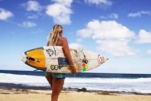 Bethany Hamilton Explains How She Surfs with One Arm