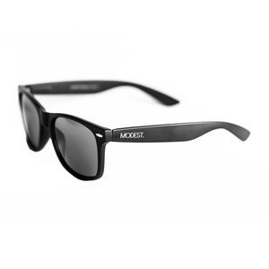 Modest. Ojos Sunglasses - Black