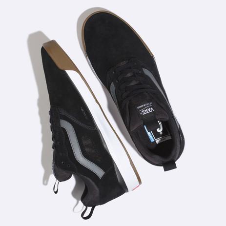 Vans Ultrarange Pro Shoe - Black / Gum / White